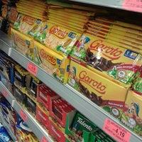 e1baee89c0276 ... Foto tirada no(a) Supermercado São Vicente por Sarah C. em 3