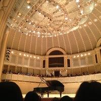 Foto tomada en Symphony Center (Chicago Symphony Orchestra) por Daniel A. el 6/2/2013