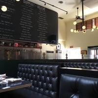 9/4/2016にJon S.がIngo's Tasty Dinerで撮った写真