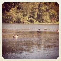 Das Foto wurde bei Cochran Shoals - Chattahoochee River von Erica P. am 9/23/2012 aufgenommen