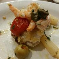 Foto tirada no(a) Antonielle A La Carte Restaurante por Filipe Z. em 4/25/2015