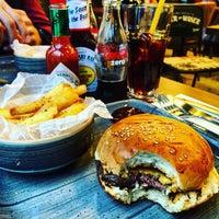 Foto scattata a 7/70 Pizza&Burger da Duygu T. il 6/17/2016