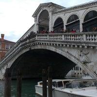 4/1/2013にKatie F.がPonte di Rialtoで撮った写真