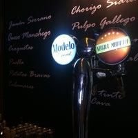 Foto scattata a A Boleo Tapas Bar da Jose Carlos S. il 4/21/2013