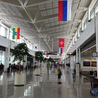Photo prise au Washington Dulles International Airport (IAD) par Artem G. le6/13/2013