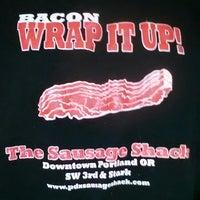 รูปภาพถ่ายที่ The Sausage Shack โดย Chris G. เมื่อ 5/11/2013