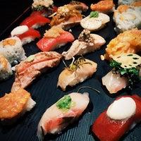 Photo prise au Sushi of Gari par Liubov U. le9/25/2014