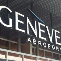 Foto tomada en Aeropuerto de Ginebra Cointrin (GVA) por Coralie M. el 5/22/2013