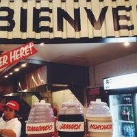รูปภาพถ่ายที่ Los Tacos No.1 โดย Alicia L. เมื่อ 9/6/2014