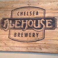 Снимок сделан в Chelsea Alehouse Brewery пользователем Deb M. 10/13/2013