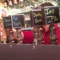 Foto tomada en Portsmouth Brewery por Jennifer D. el 2/3/2013