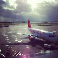 Foto scattata a Liverpool John Lennon Airport (LPL) da Iveta Ķ. il 10/17/2012