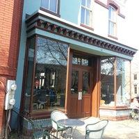 4/9/2013 tarihinde Maria S.ziyaretçi tarafından The Coffee Bar'de çekilen fotoğraf