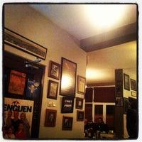 10/9/2013 tarihinde Fatih O.ziyaretçi tarafından Kumbara Cafe'de çekilen fotoğraf