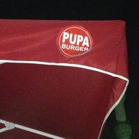 10/22/2013 tarihinde Adham H.ziyaretçi tarafından Pupa Burger'de çekilen fotoğraf