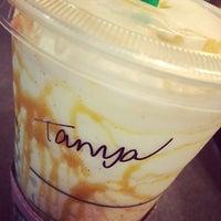Das Foto wurde bei Starbucks von Tanya G. am 6/1/2014 aufgenommen