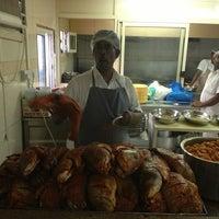 รูปภาพถ่ายที่ Bu Qtair Restaurant โดย Maribel P. เมื่อ 5/22/2013