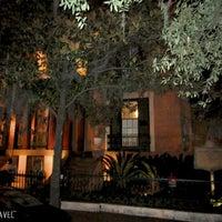 Das Foto wurde bei Sorrel Weed House - Haunted Ghost Tours in Savannah von Evie am 7/12/2013 aufgenommen
