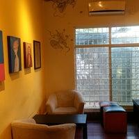 Foto tirada no(a) Ámbar Galería-Cinema-Café por Alberto C. em 7/3/2018