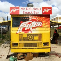 Photo prise au Mr. Delicious Snack Bar par Petter P. le12/22/2014
