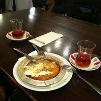 Foto tomada en Hasir Restaurant por Busra A. el 7/13/2013