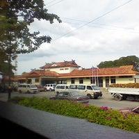 Foto tirada no(a) Tenom Town por Jonnathan S. em 7/23/2013