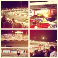 Photo prise au Bullring at Las Vegas Motor Speedway par Edgar G. le7/4/2013