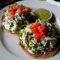 รูปภาพถ่ายที่ Salsa & Agave Mexican Grill โดย Keith M. เมื่อ 10/27/2012