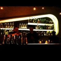 Снимок сделан в Meza Bar пользователем Mariana S. 11/20/2012
