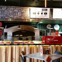 3/15/2015에 Jonatan B.님이 Pizza Rustica에서 찍은 사진