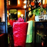 Снимок сделан в Café de Ruiz пользователем ROBERTO R. 7/3/2013