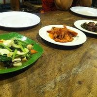 9/15/2013にMatthew A.がTaipan Chinese Foodで撮った写真