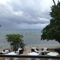 Снимок сделан в Santorini Ocean Lounge Restaurant пользователем Aimee A. 6/30/2013