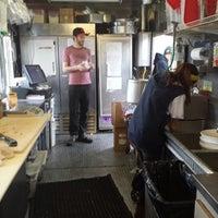 Das Foto wurde bei Pinky's Kitchen von Nicholas C. am 5/18/2013 aufgenommen