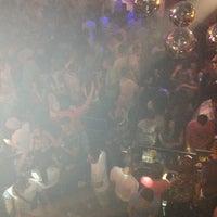 Foto tirada no(a) Kuşadası Club Bar por NAzmi em 7/24/2013