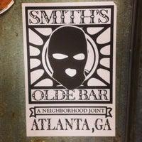 5/14/2013 tarihinde Knumbskullziyaretçi tarafından Smith's Olde Bar'de çekilen fotoğraf