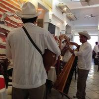 Foto tomada en Restaurante Hnos. Hidalgo Carrion por Carlos Alberto U. el 6/25/2013
