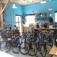 Foto tomada en Portland Bicycle Studio  por Molly C. el 7/31/2014