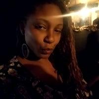 รูปภาพถ่ายที่ Avery's Bar & Lounge โดย Jasmine D. เมื่อ 10/1/2017