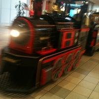 7/8/2012에 Gene C.님이 Meridian Mall에서 찍은 사진