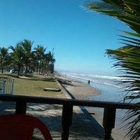 Foto tomada en Praia do Arpoador por Gentil F. el 7/19/2012