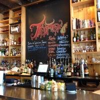 Photo prise au Toro Restaurant par emma t. le5/14/2013