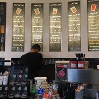 Photo prise au Dam Good Coffee par Mohammed A. le8/19/2018