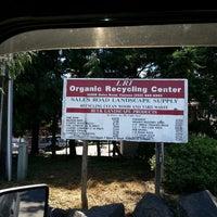 รูปภาพถ่ายที่ Recycle Center โดย Hellmouth H. เมื่อ 7/9/2013