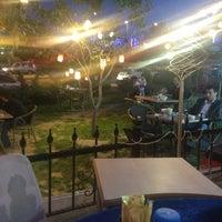 Das Foto wurde bei Cafe Villa Bistro von Flz am 5/18/2013 aufgenommen