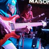 รูปภาพถ่ายที่ Maison โดย Myles C. เมื่อ 7/4/2013