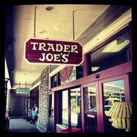 5/25/2013 tarihinde Klaus H.ziyaretçi tarafından Trader Joe's'de çekilen fotoğraf