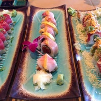 5/17/2013에 Katie M.님이 Mizu Sushi Bar & Grill에서 찍은 사진