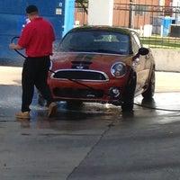 4/27/2013にM G.がVintage Car Washで撮った写真