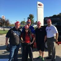 Foto tirada no(a) Steve Landers Toyota NWA por desiree l. em 10/22/2016